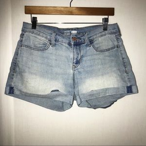 OLD NAVY Semi-Fitted Shorts Size 4